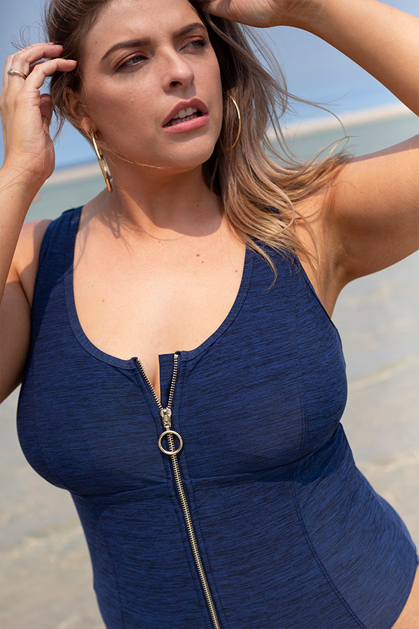 Artesands-Swimwear-Plussize-One-Piece-Swimsuit-Fuseli-One-Piece-Melange-Blue-Stripe-Texture-Gold-Lidfestyle-4
