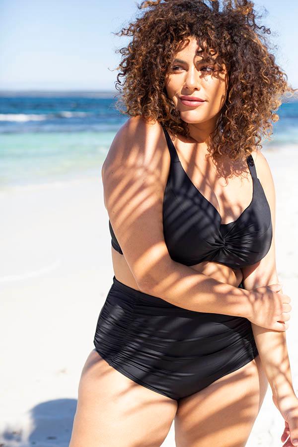Artesands-curve-fit-plus-size-swimsuit-blog-long-torso-tankini-set-black-hues-signature-1