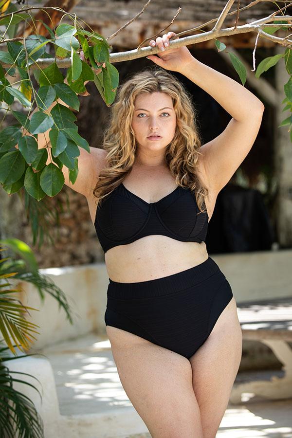 Artesands Curve Plus Size Black Swimwear