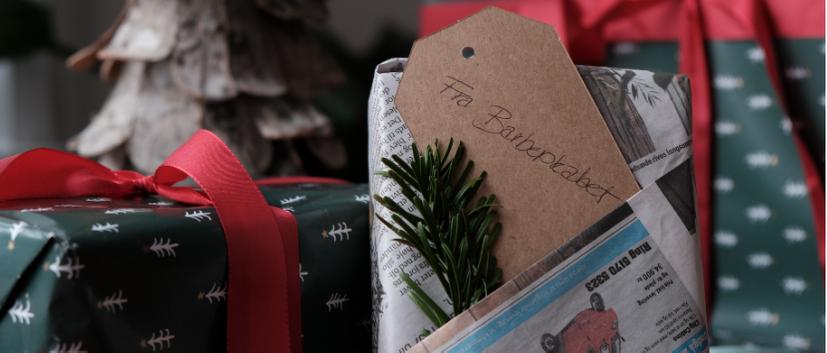Inspiration til miljøvenlig og alternativ gaveindpakning med avispapir