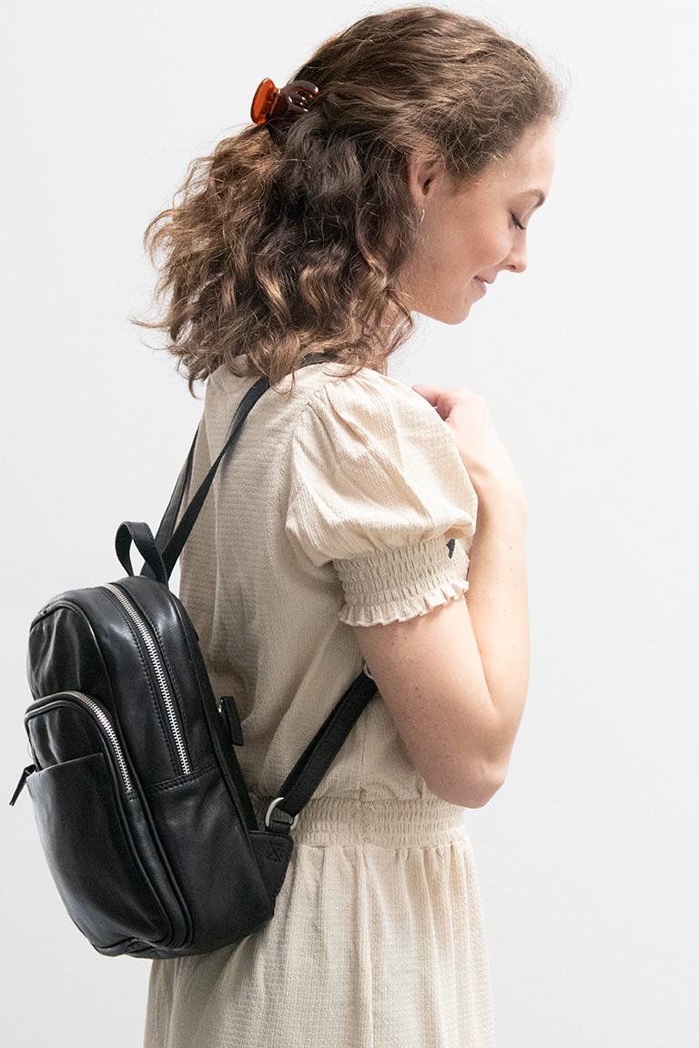 Lille rygsæk til damer i læder