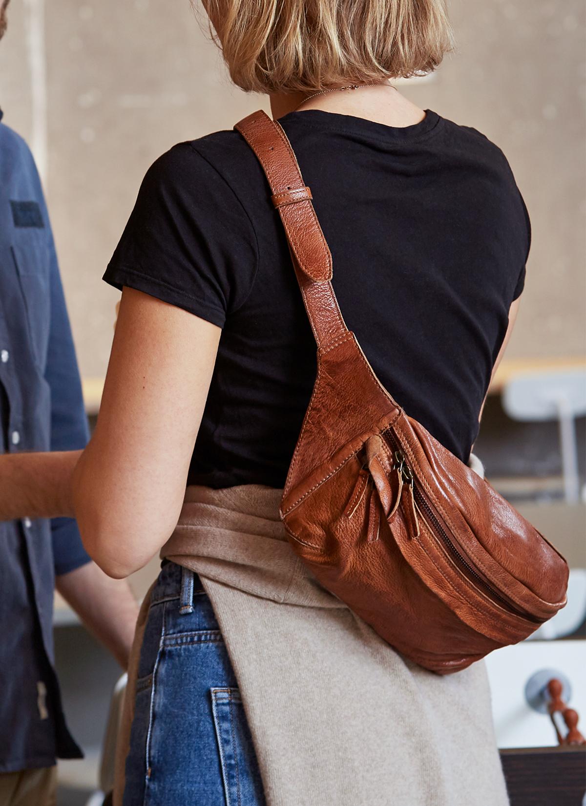 Bumbag bæltetaske til damer i læder