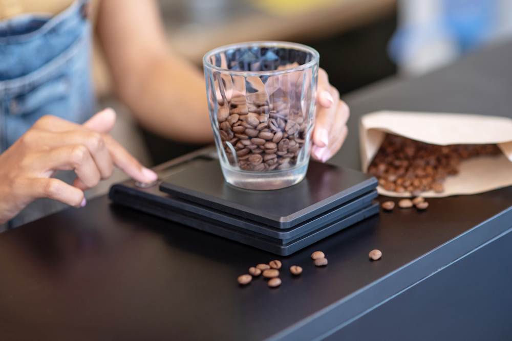 Measuring coffee on a scale