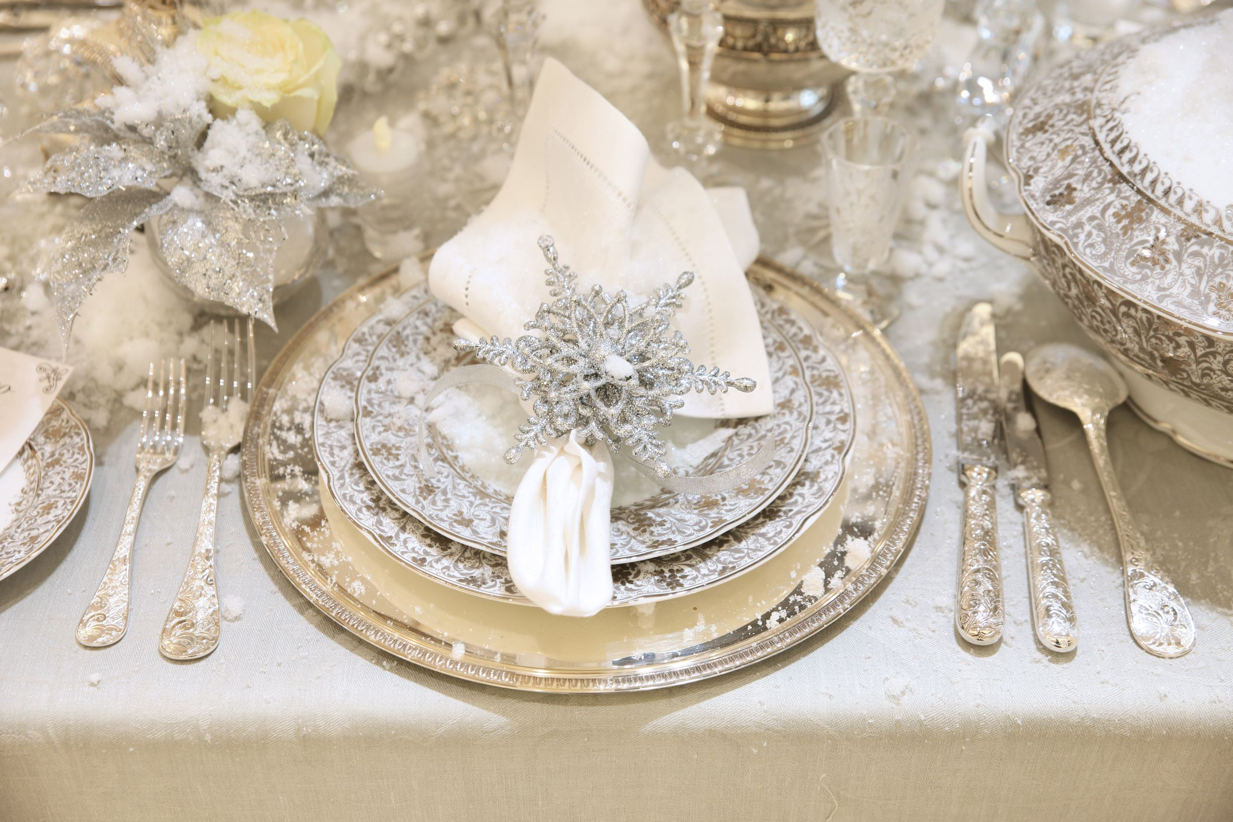 Gold, silver, and glass elements are perfect for glam Christmas tables.