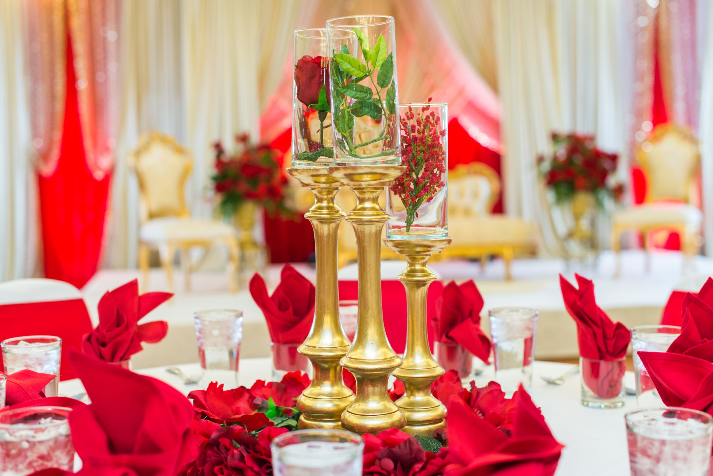 Christmas Table with fancy table napkin folding.