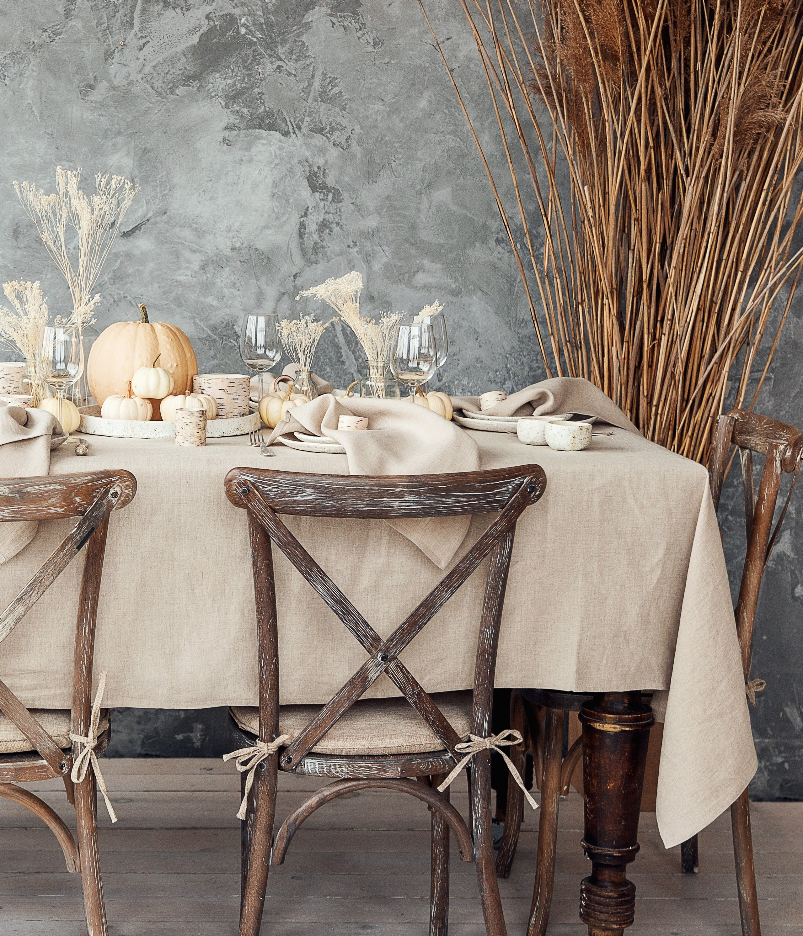Rustic Thanksgiving table.