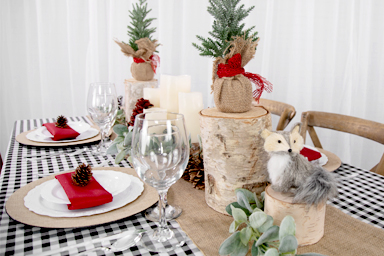Wood elements are popular in rustic-themed Christmas themes.