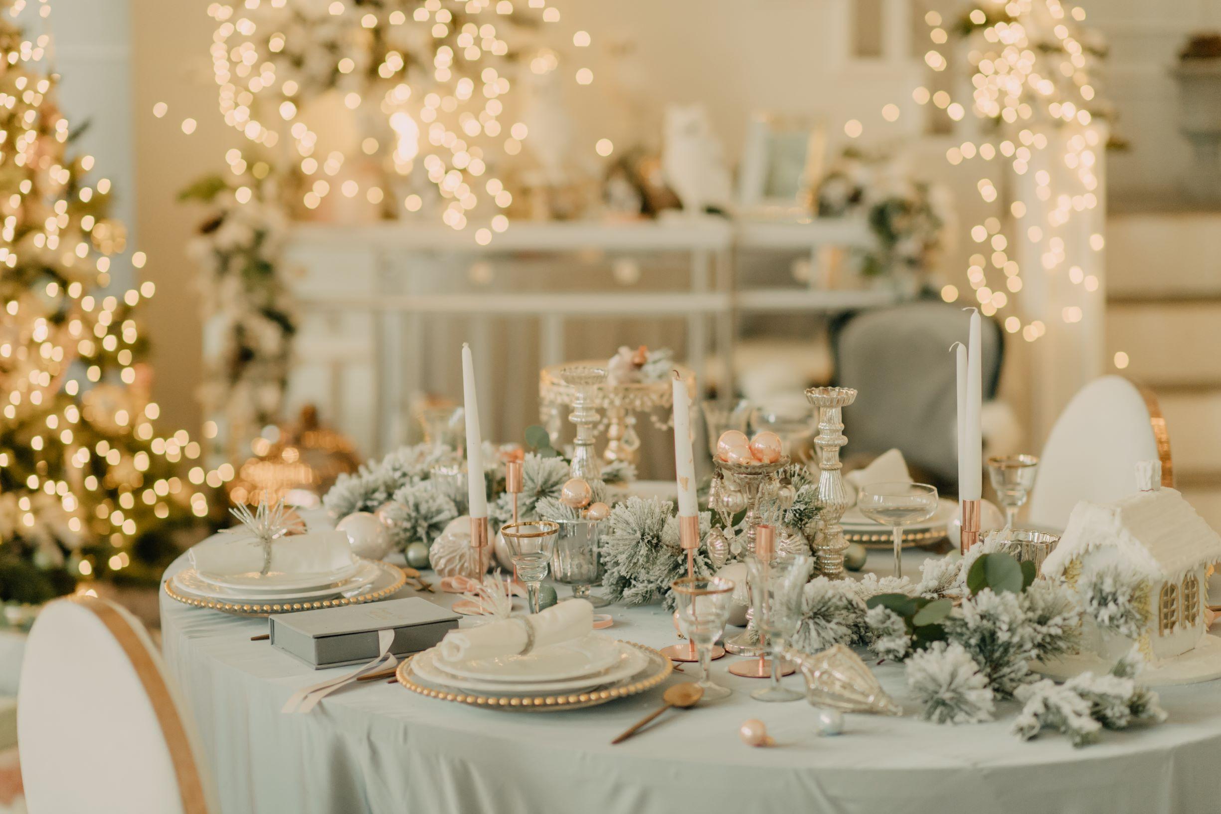 Glamorous Christmas table setup.