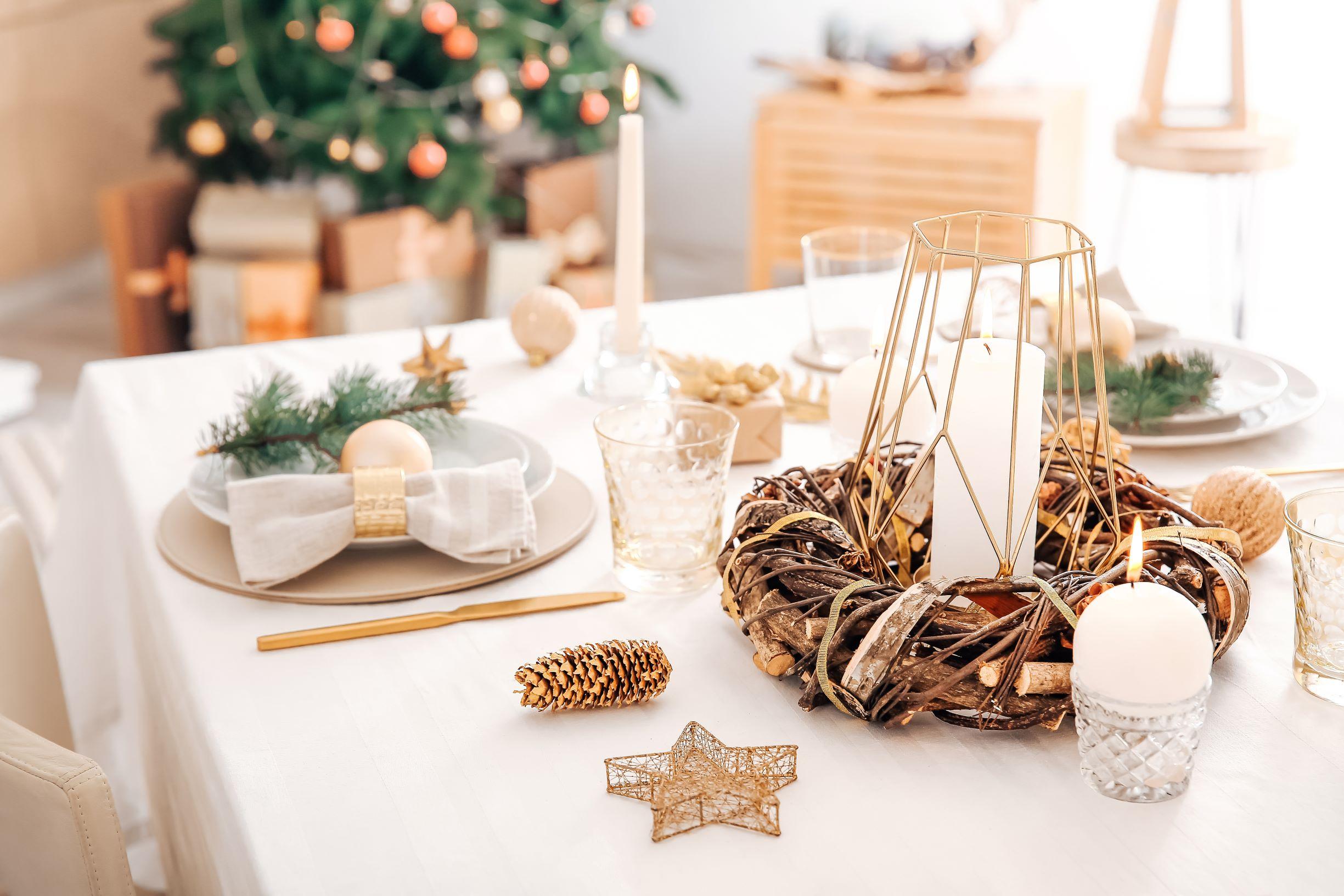 Christmas Napkin Bow Fold with Gold Napkin Ring