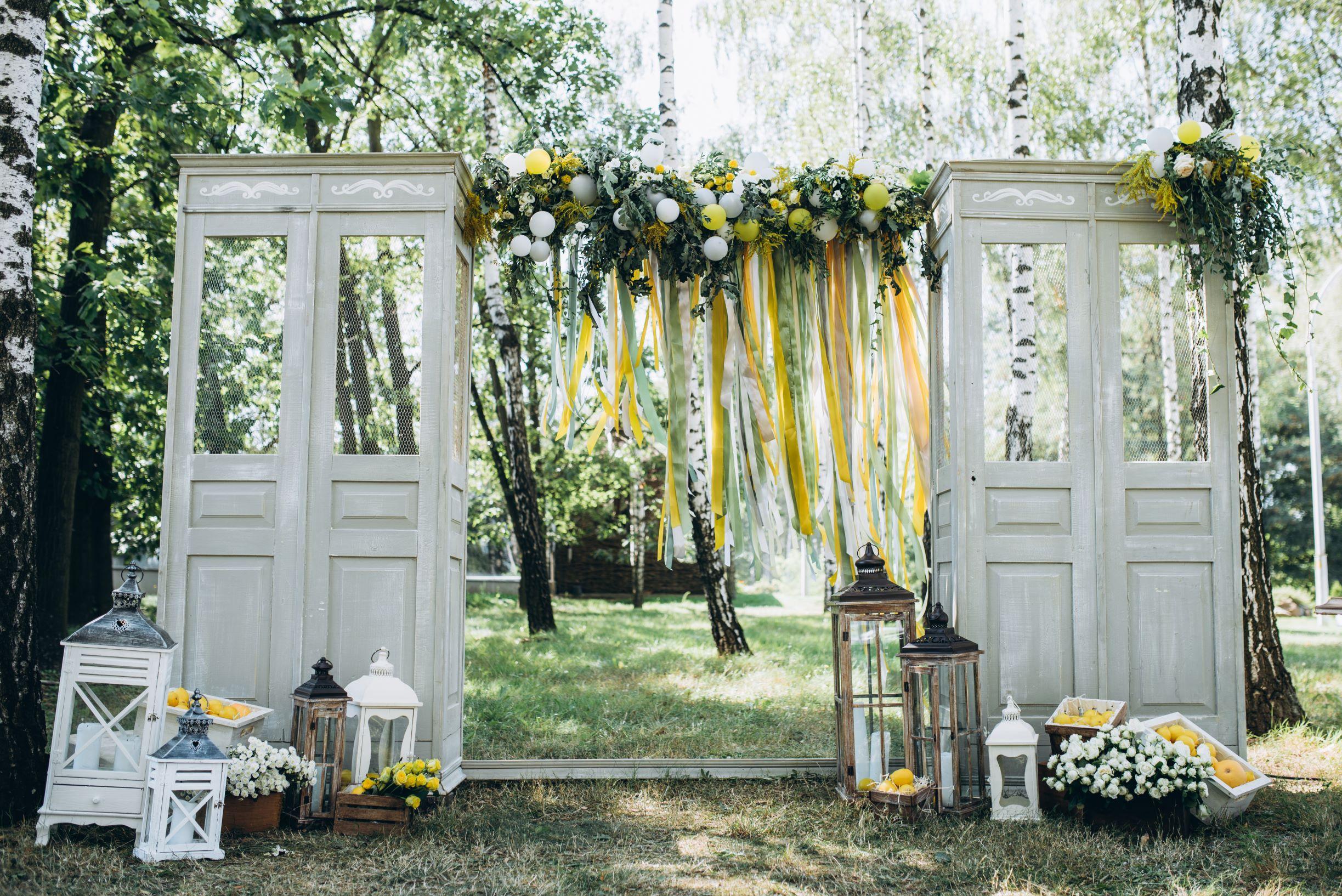 Wedding Inspo Decorations in Illumination Yellow