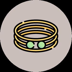 justine leconte capsule wardrobe essential accessories blog bracelet