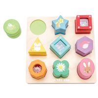Puzzle en bois bébé avec formes à toucher