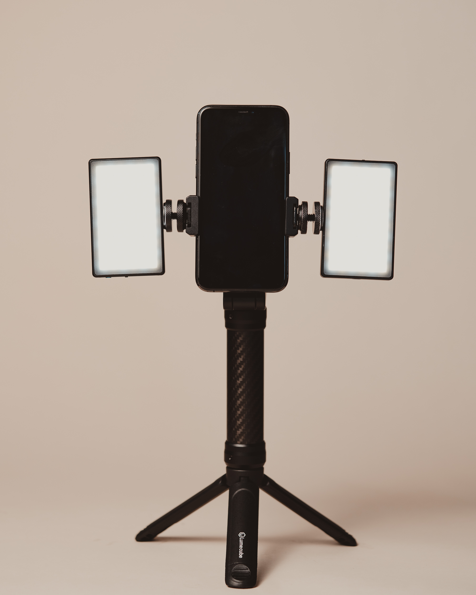 mobile creator kit with two lights