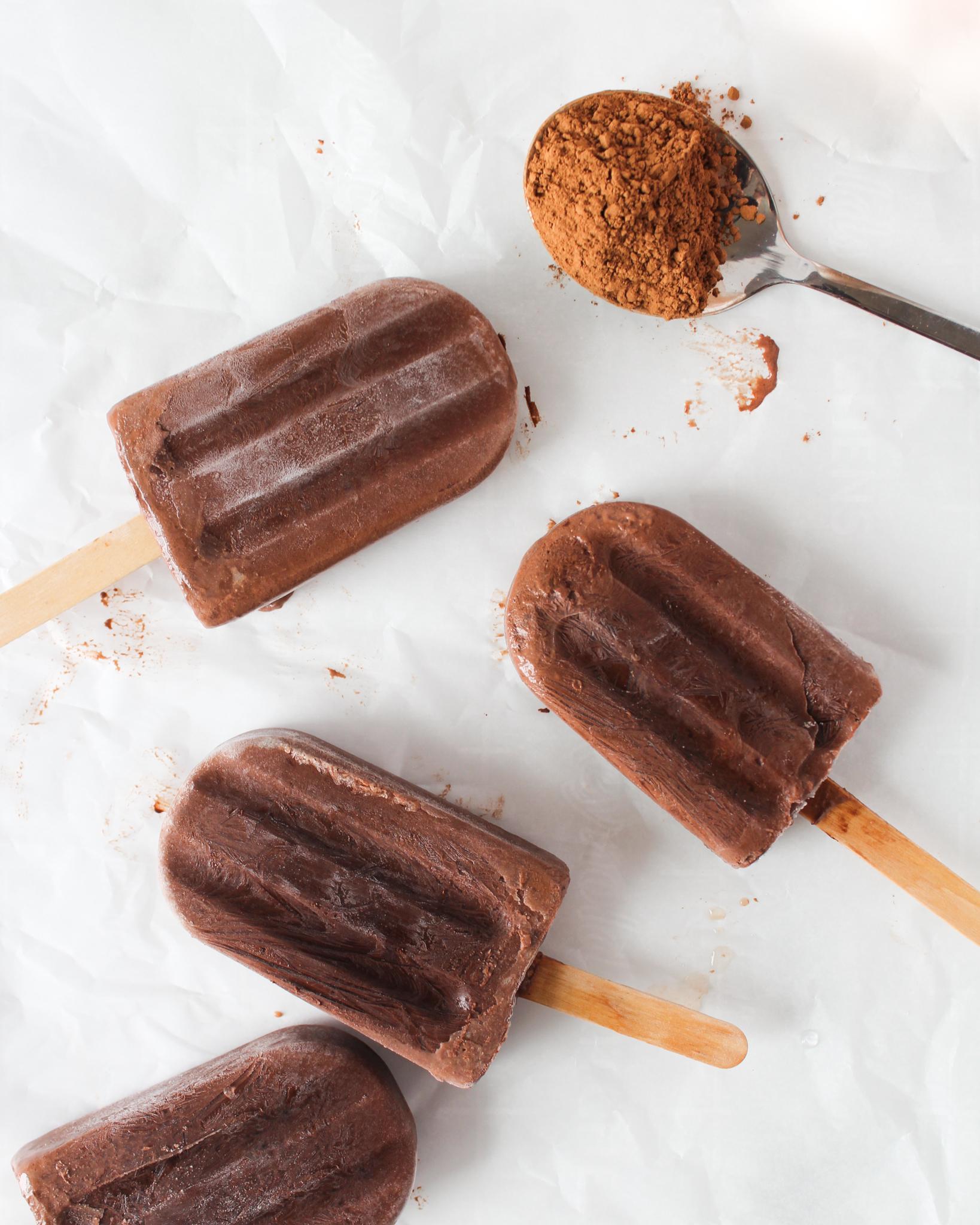 Popsicles au chocolat chaud