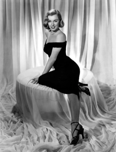 Marilyn Monroe Little Black Dress