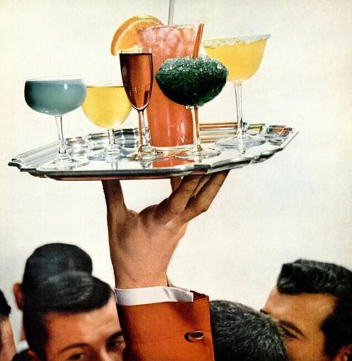 Cocktailkjoler hos Mondo Kaos