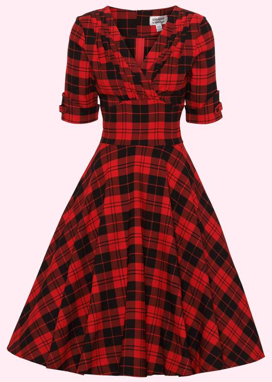 Checkered swing dress in 1950s style