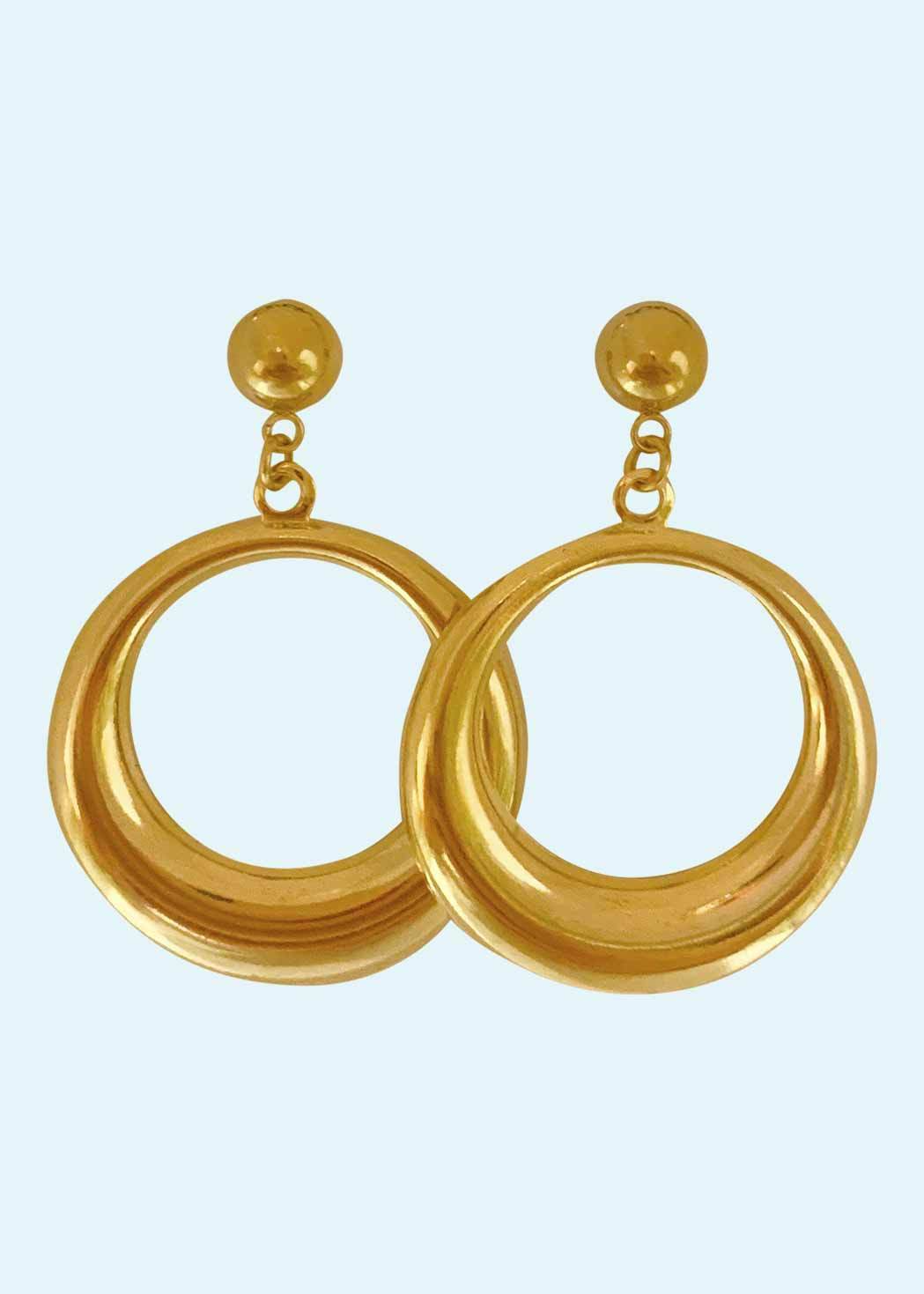 Retro style gold colored hoops earrings