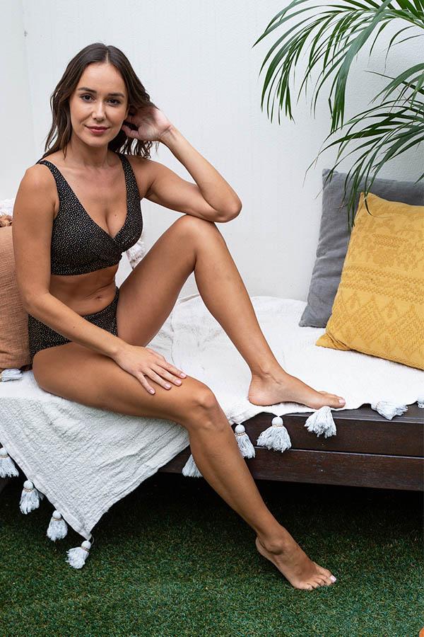 nip-tuck-swim-printed-foil-gold-black-texture-blog-affordable-swimwear-swimsuit-tummy-control-powermesh-multifit