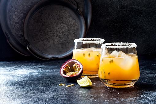 Conheça os melhores drinks com maracujá!