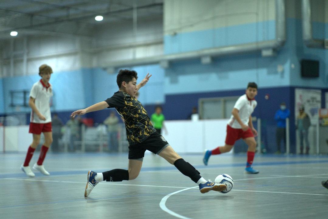 Sudamerica futsal player with Senda's customized uniform