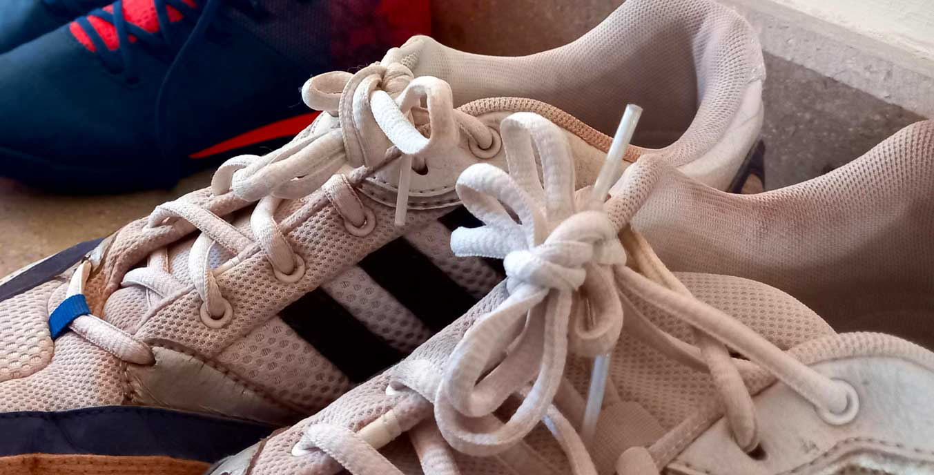 Leaving shoes (shoelaces) tied