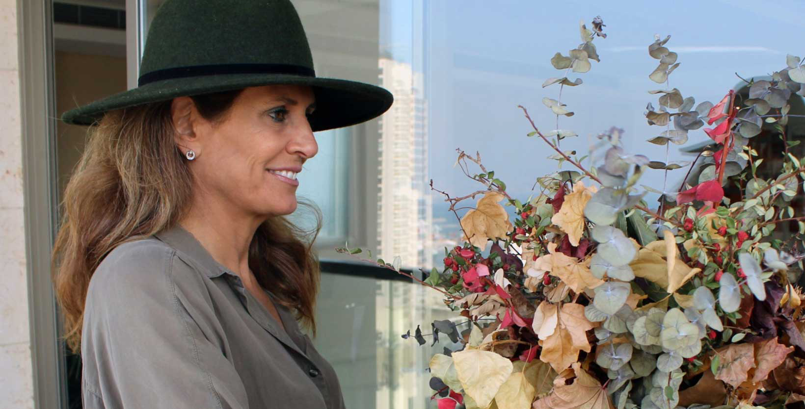 Hat matching to outfit and season