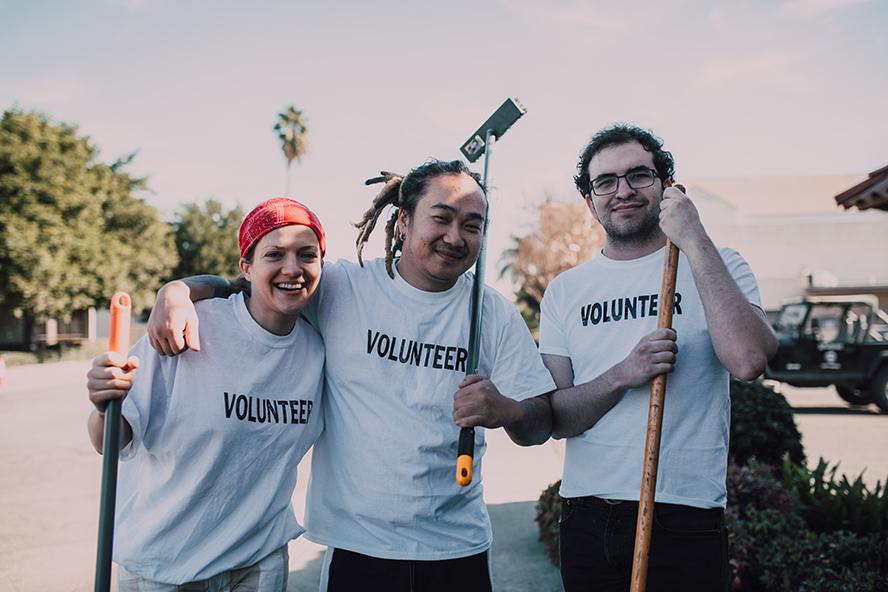 A happy bunch of volunteers.