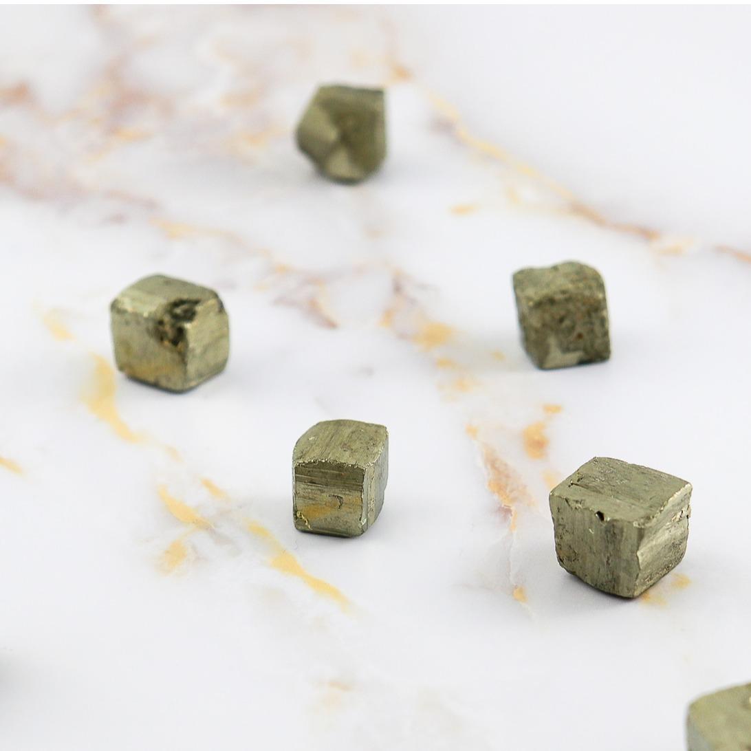 Pyrite cubique brute