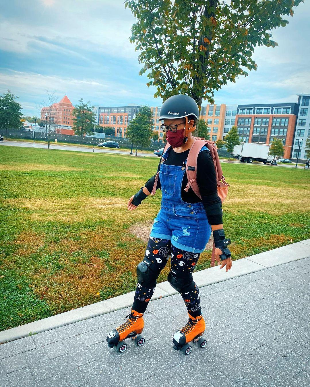 roller skater wearing a black skate helmet