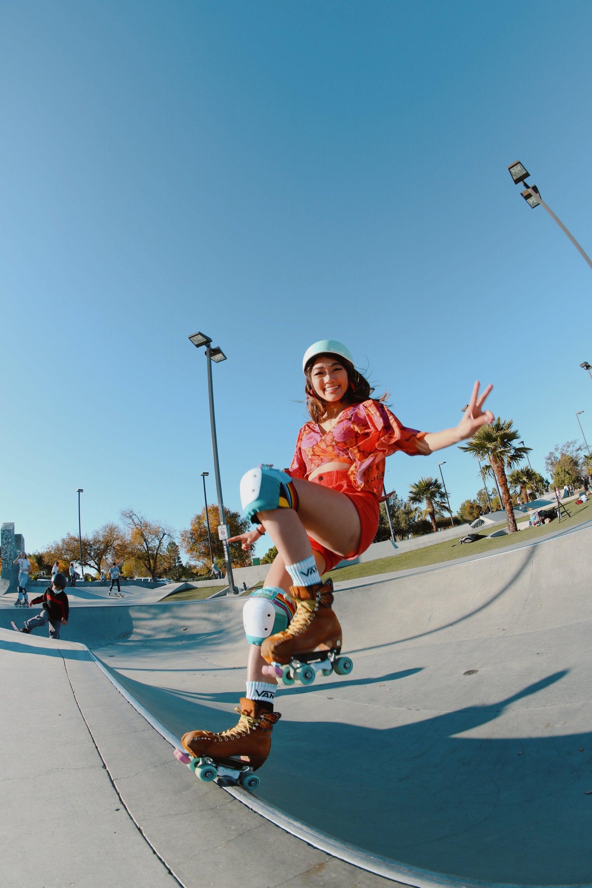 roller skater wearing a mint skate helmet