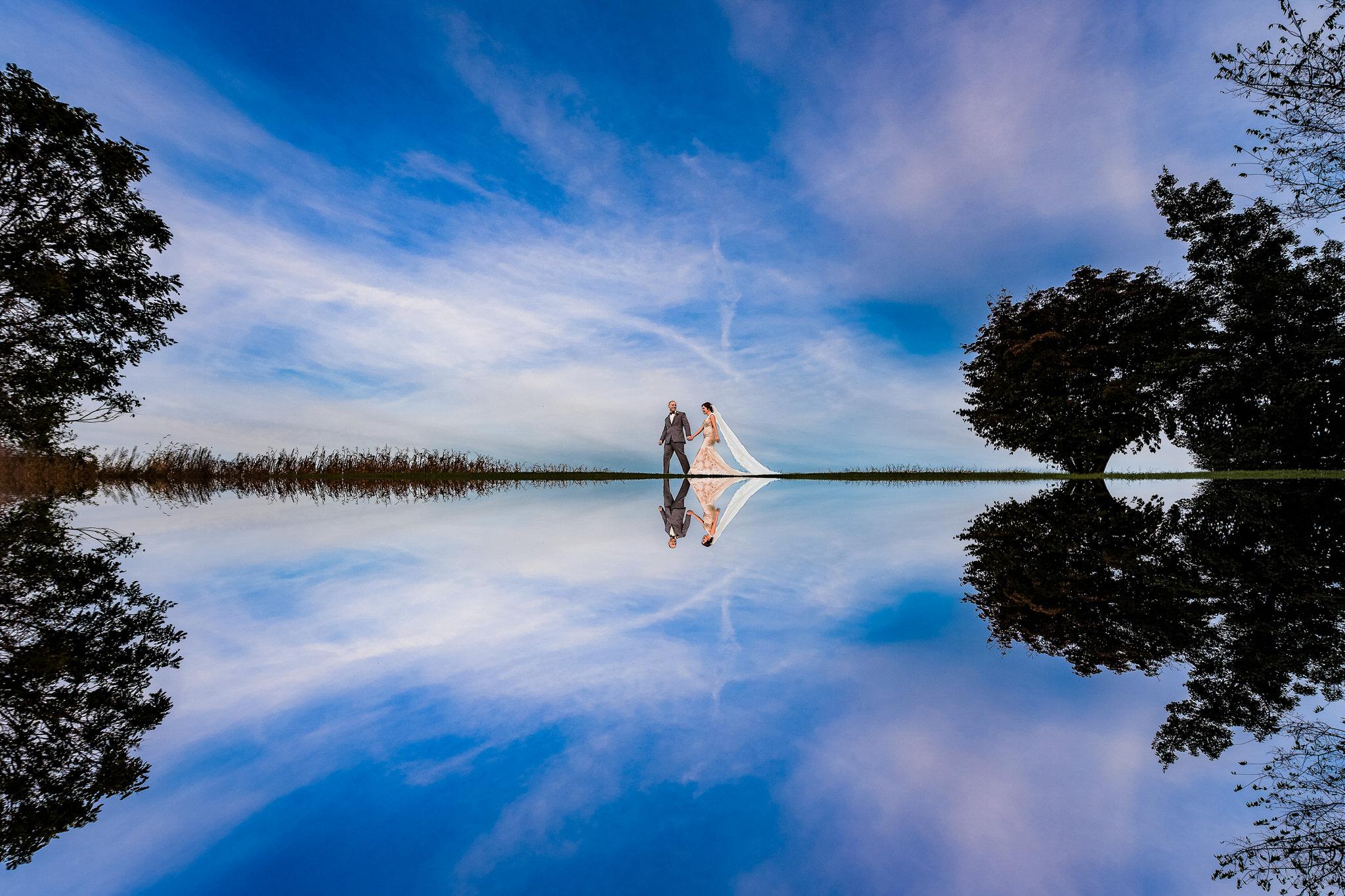 SMJ Photography, Wedding Photography, Reflection Wedding Photo, Lake Reflection, Husband and Wife Reflection Photo