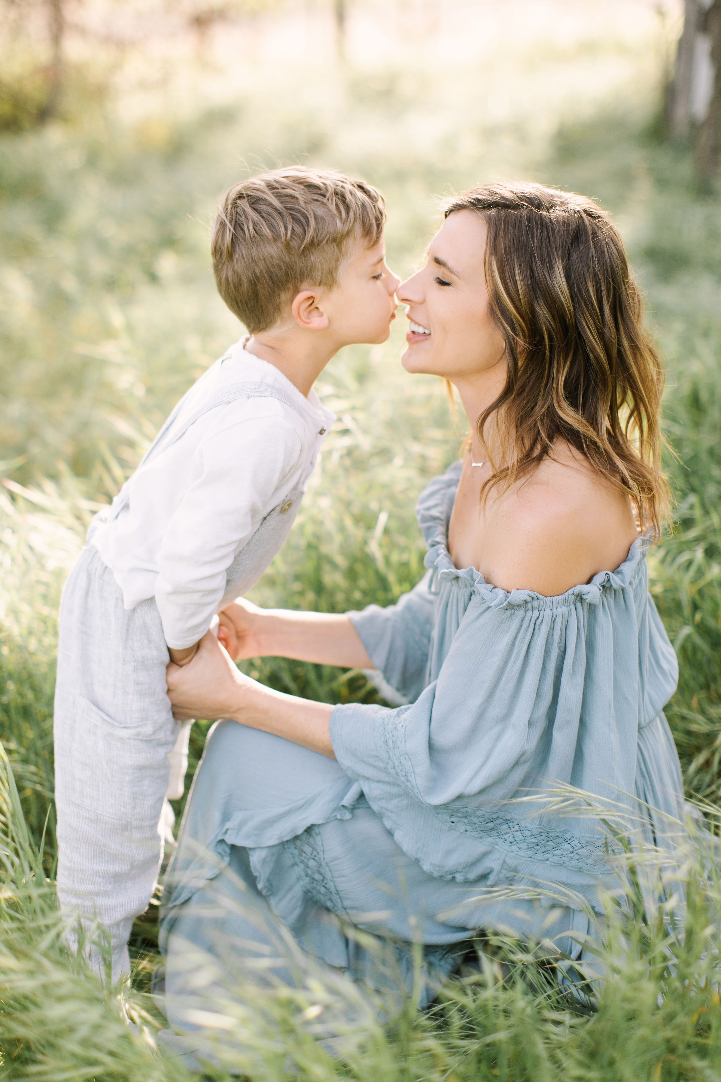 Katie Lamb, Mother and son, photographer, family photography, outdoor, light and airy