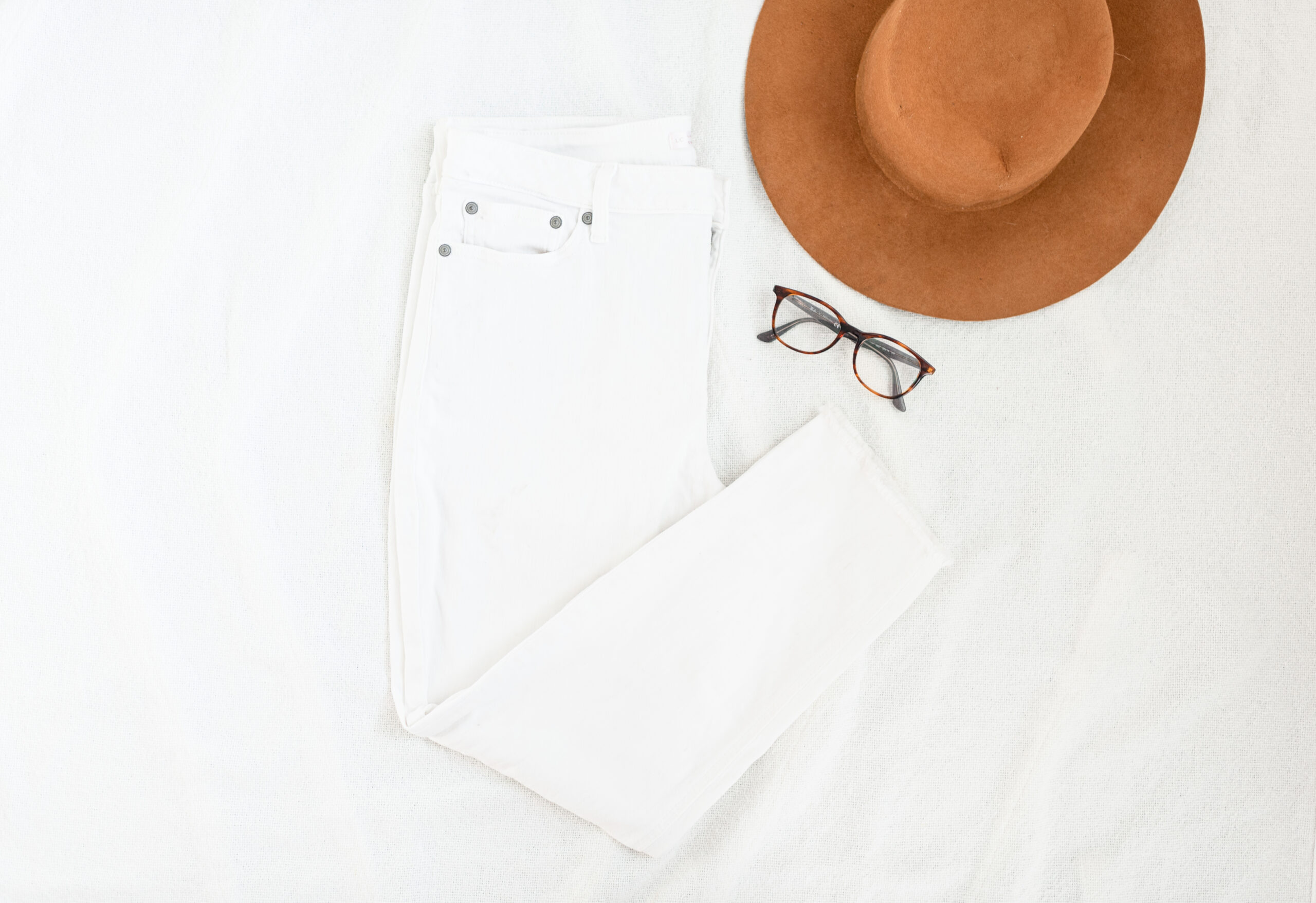 white pants, hat, brown hat, outfit, what to do if your client chooses a bad outfit